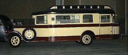 https://camping-car.org/articles/images/camping-cars/campingCarsAnciens/ccarVintage.02.jpg